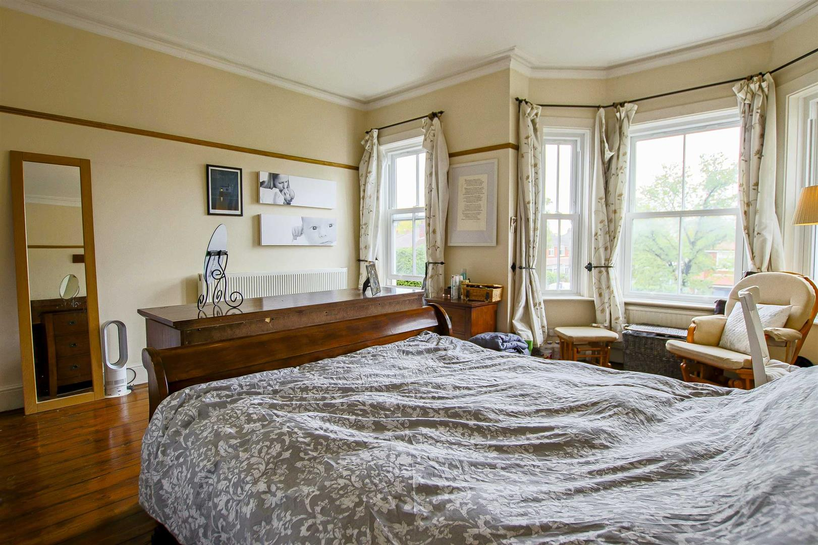 5 Bedroom Terraced House For Sale - Image 33